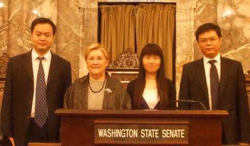 2009年澳星总裁Edward和副总裁George拜访美国华盛顿州参议员