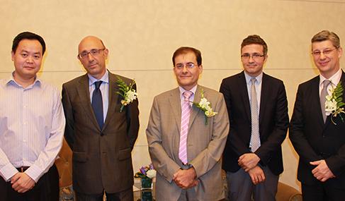 希腊驻华大使Vassilios Lostis公使Emannuel Stantzos和澳星副总裁George